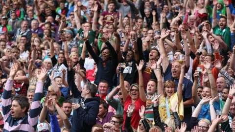 Twickenham crowd