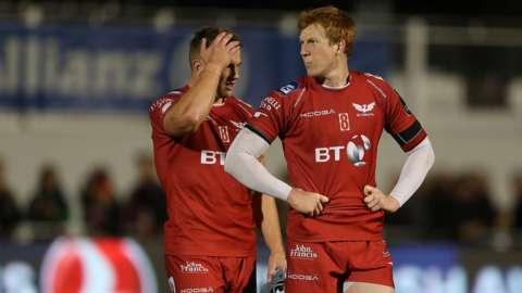 Jonathan Davies and Rhys Patchell