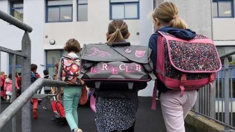 French children go to school