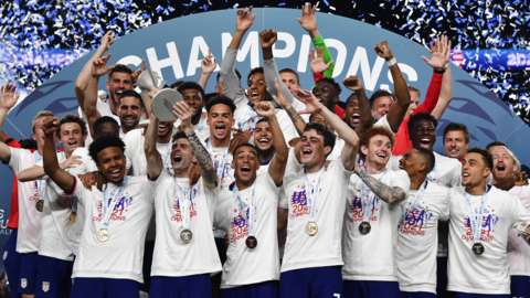 USA lift the Concacaf Nations League trophy