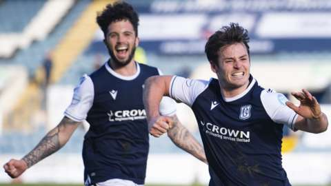 Dundee celebrate