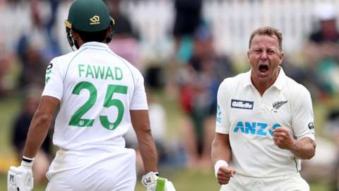 Fawad Alam and Neil Wagner