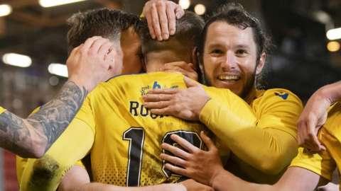 St Johnstone celebrate Shaun Rooney's goal