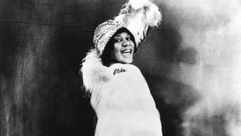 Greyscale picture of blues singer Bessie Smith