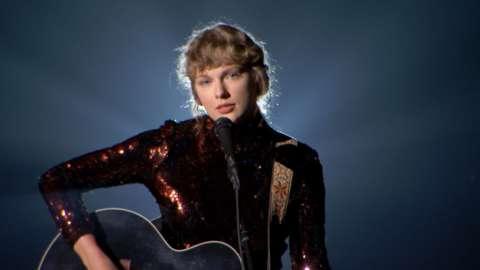 Taylor-Swift.