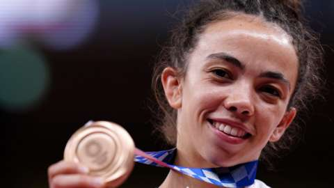 Chelsie Giles wins judo bronze medal for Great Britain