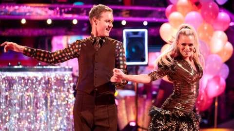 Dan Walker and Nadia Bychkova dancing a Cha Cha Cha on Strictly Come Dancing