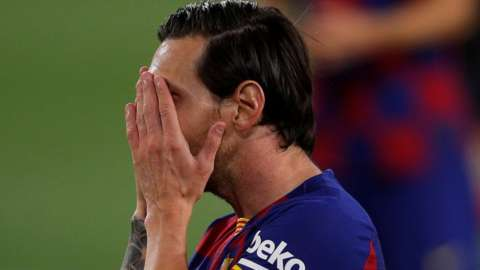 Lionel Messi reacting during the game against Sevilla