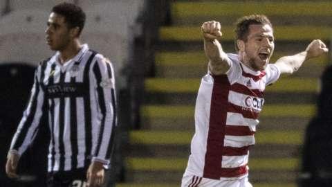 Bruce Anderson celebrates equaliser v St Mirren