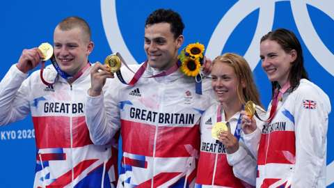 Great Britain's team celebrate the win