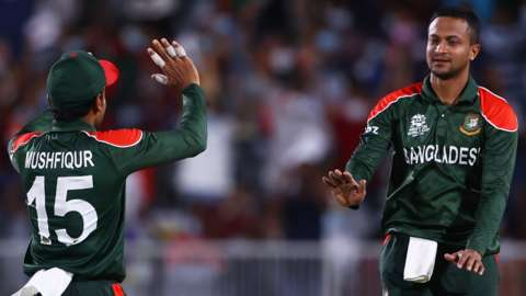 Shakib Al Hasan of Bangladesh celebrates taking a wicket