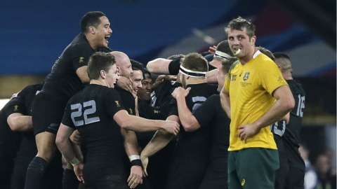 New Zealand players celebrate after the Rugby World Cup final between New Zealand and Australia at Twickenham