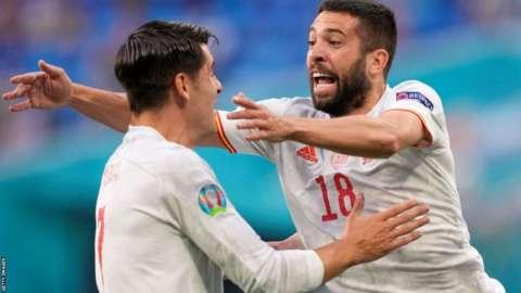 Jordi Alba and Alvaro Morata celebrate
