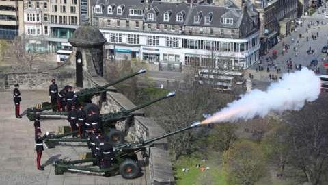 41-gun salute in Edinburgh