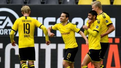 Borussia Dortmund v Schalke