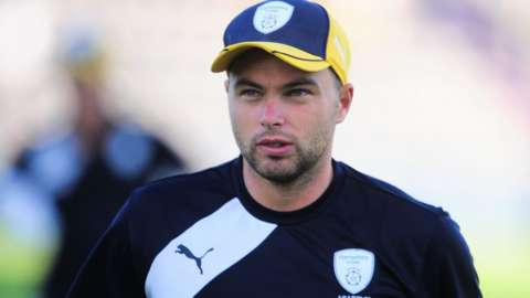 Jake Lintott played T20 cricket for both Hampshire and Gloucestershire before joining the Bears