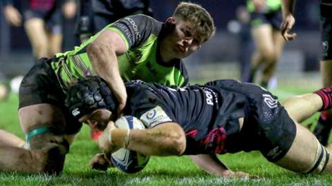 Ed Holmes try