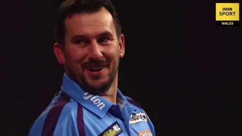 Jonny Clayton darts