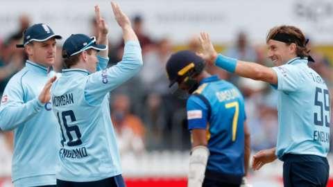 Tom Curran celebrates a wicket