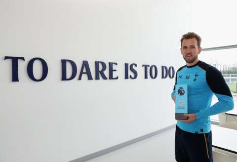 Congratulations, @HKane! The @premierleague player of the month for February. #COYS #OneOfOurOwn