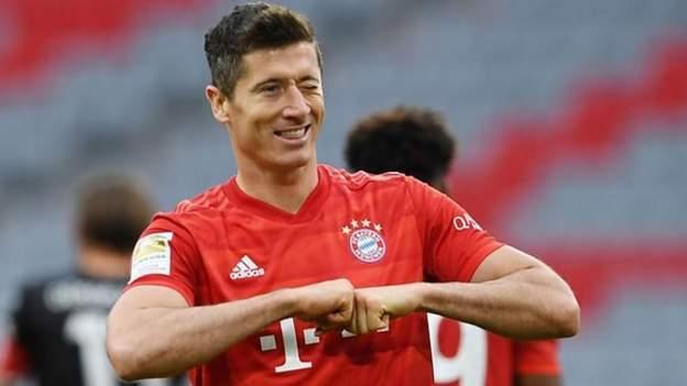 Bundesliga: Robert Lewandowski stars in Bayern
