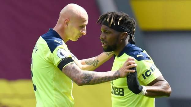 Burnley 1-2 Newcastle United: Saint-Maximin menginspirasi perputaran Magpies di Turf Moor thumbnail