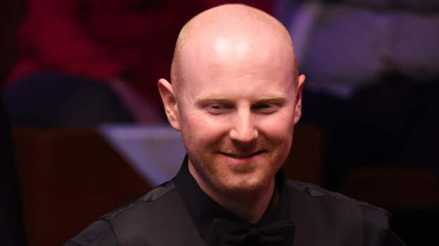 McGill holds nerve to knock out O'Sullivan