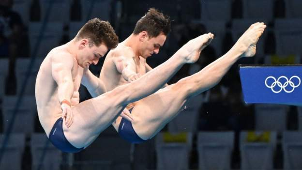 Daley and Lee win Olympic diving gold