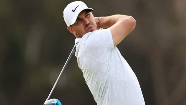 Koepka lays down marker at US Open
