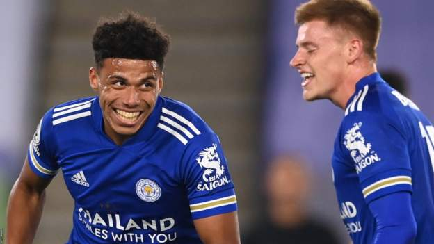 Leicester City 4-2 Burnley: Foxes fight back to maintain 100% start - bbc