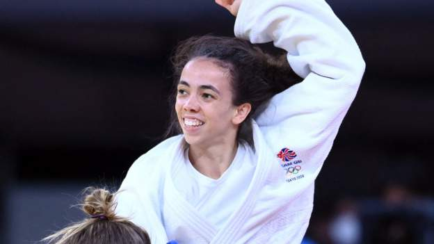 Giles wins Team GB's first Tokyo medal