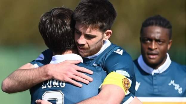 Formartine United 0-5 Motherwell: Long, Cole, Campbell & Roberts mencetak dua gol di babak 16 besar thumbnail