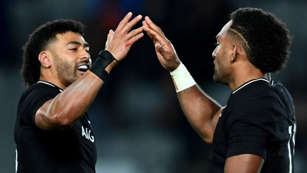 New Zealand inflict bruising defeat on Australia to claim Bledisloe Cup
