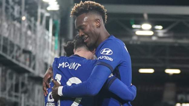 Mount winner sees Chelsea past 10-man Fulham