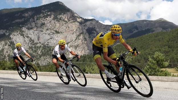 Chris Froome retained the yellow jersey with a fourth-place finish on Col d'Izoard on Thursday's stage 18