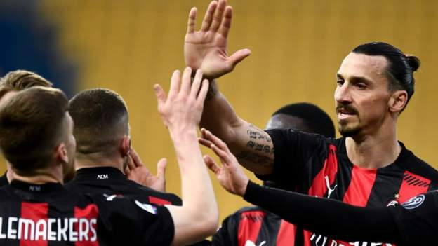 Zlatan Ibrahimovic signs new AC Milan contract - bbc