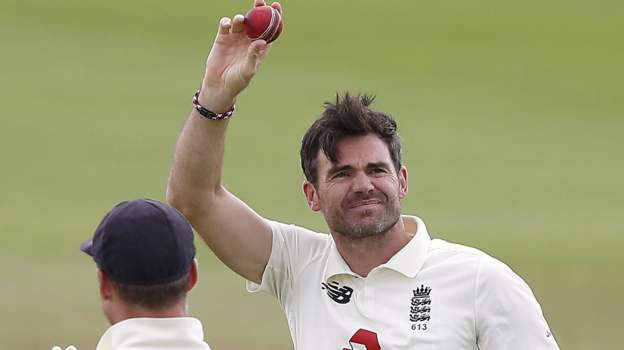 England v Pakistan: James Anderson becomes first fast bowler to 600 Test wickets