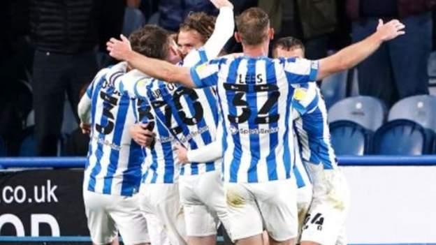 Huddersfield Town 3-2 Blackburn Rovers: Danny Ward double earns Terriers thrilling win - bbc