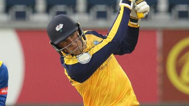 Coronavirus: Yorkshire quartet out of T20 Blast group games after positive test thumbnail