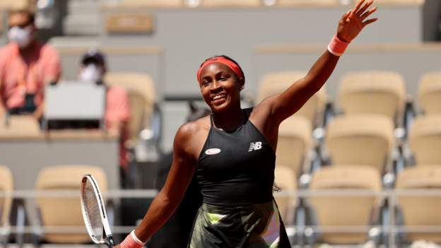 Gauff, Sakkari reach quarterfinals