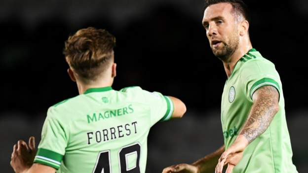 St Mirren 1-2 Celtic: Visitors move within three points of top thumbnail