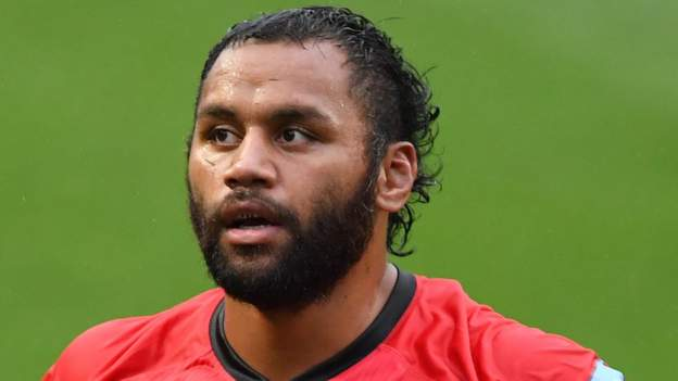 'I'm still more a person of Jesus' - Vunipola explains decision not to kneel