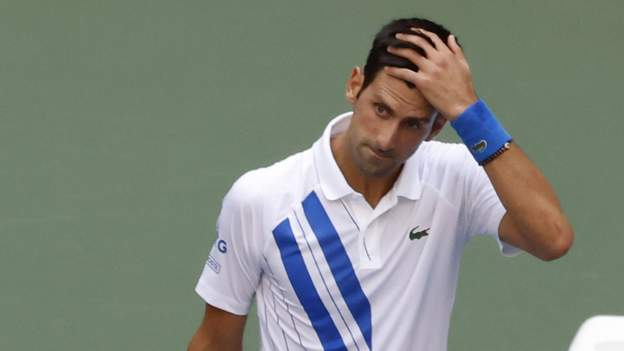 Novak Djokovic Apologises After Hitting Line Judge With Ball At Us Open Bbc Sport