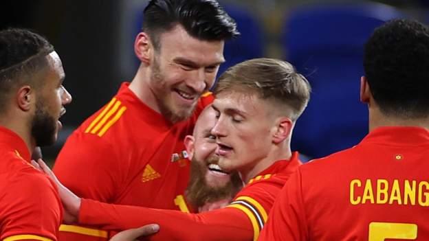 Wales 1-0 Meksiko: Kieffer Moore mencetak gol ketika Chris Gunter memenangkan cap centesimal thumbnail