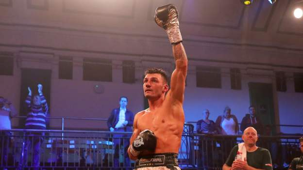 Leigh Wood beats Xu Can to claim WBA world featherweight title