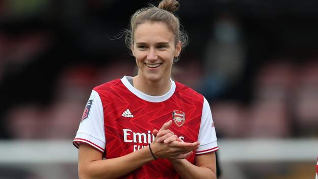 Women's Super League: Arsenal 6-1 Tottenham Hotspur - Vivianne Miedema becomes WSL record scorer with hat-trick