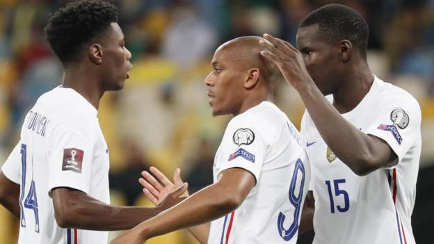 Ukraine 1-1 France: Martial on target as Les Bleus draw again in World Cup qualifying thumbnail