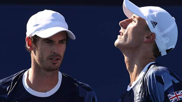 Murray & Salisbury out of men's doubles