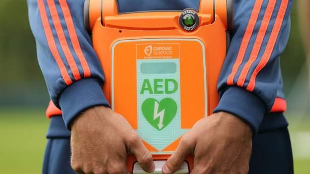 Gamers & MPs marketing campaign for defibrillators