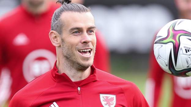 Gareth Bale: Wales aiming for top spot in World Cup qualifying, says captain